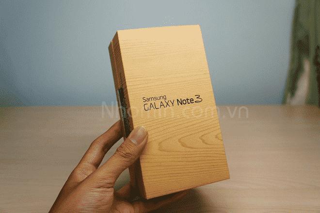 In hộp giấy đựng điện thoại tại Nhóm In