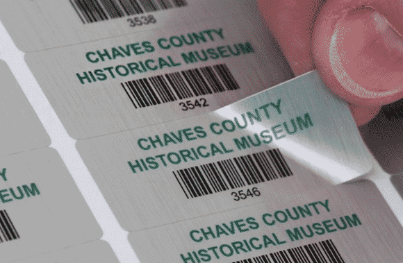 Ưu điểm vượt trội của khi in tem hay decal bạc tại Nhóm In