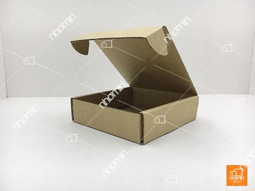 kiểu hộp carton sóng nắp mở cạnh nắp gài chắc