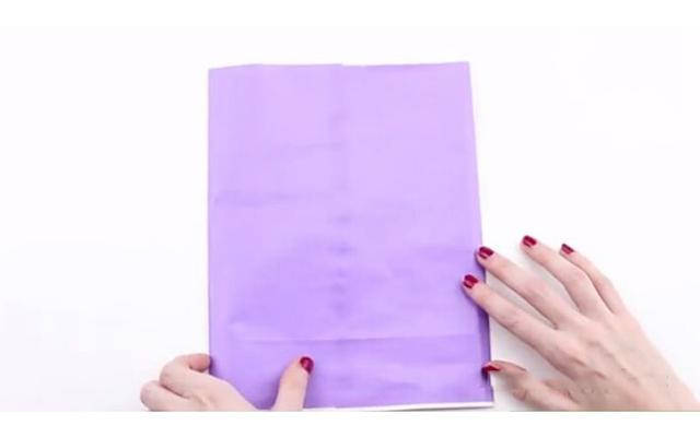 Cách làm túi giấy bước 3