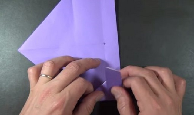 Cách gấp hộp giấy hình trái tim 1