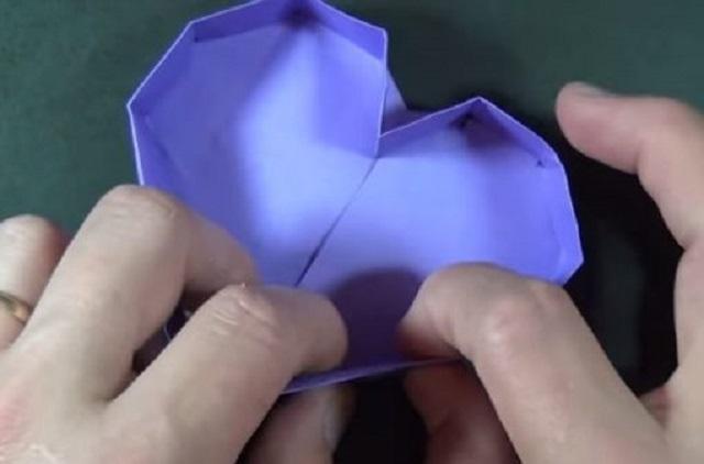 Cách gấp hộp giấy hình trái tim 3