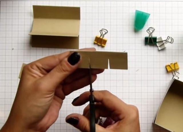cách làm hộp giấy đựng son bước 11