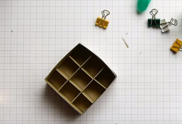 cách làm hộp giấy đựng son bước 13