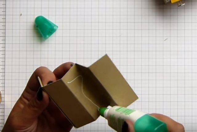 cách làm hộp giấy đựng son bước 8