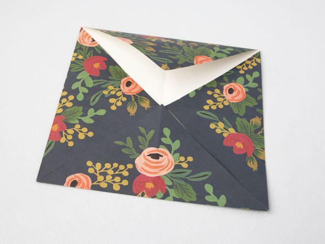 Các bước làm hộp giấy đựng bánh 4