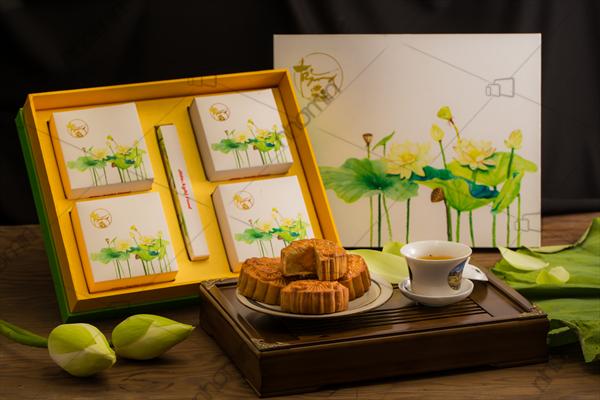 mẫu hộp bánh trung thu sen vàng