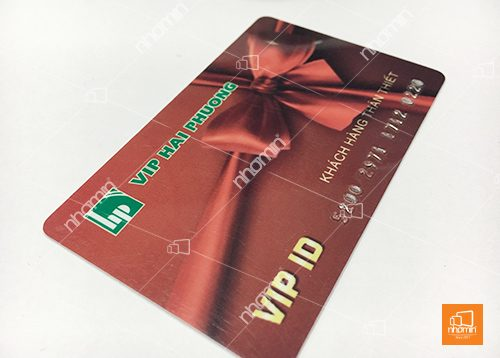 thẻ nhựa gia công cán mờ